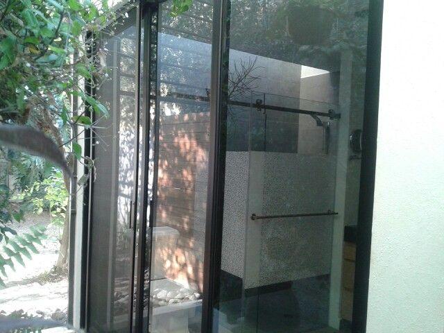 Remodelaci n de ba o y ventaner a de aluminio y mamp ra de - Mamparas cristal templado ...
