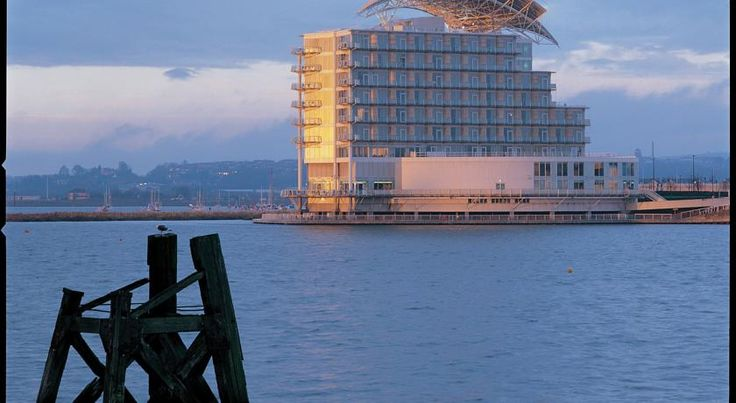 The St David's Hotel Cardiff Set in an iconic building, with stunning views across Cardiff Bay, the 5-star St David's Hotel features a luxury spa, stylish bedrooms and an innovative restaurant. Mermaid Quay is a 5-minute walk away.