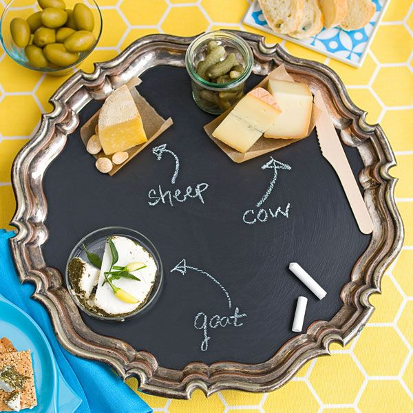Chalkboard a serving tray? YES! #chalkboard: Food Display, Chee Trays, Chee Platters, Chee Parties, Paintings Ideas, Fun Ideas, Cheese Trays, Serving Trays, Chalkboards Paintings Projects