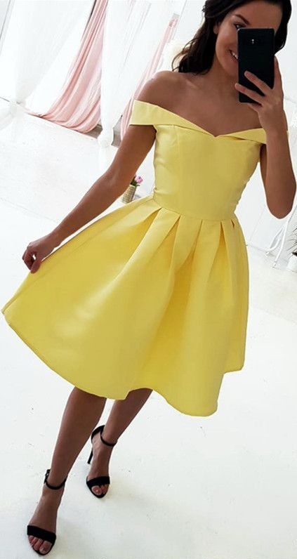 Off The Shoulder Short Yellow Homecoming Dress