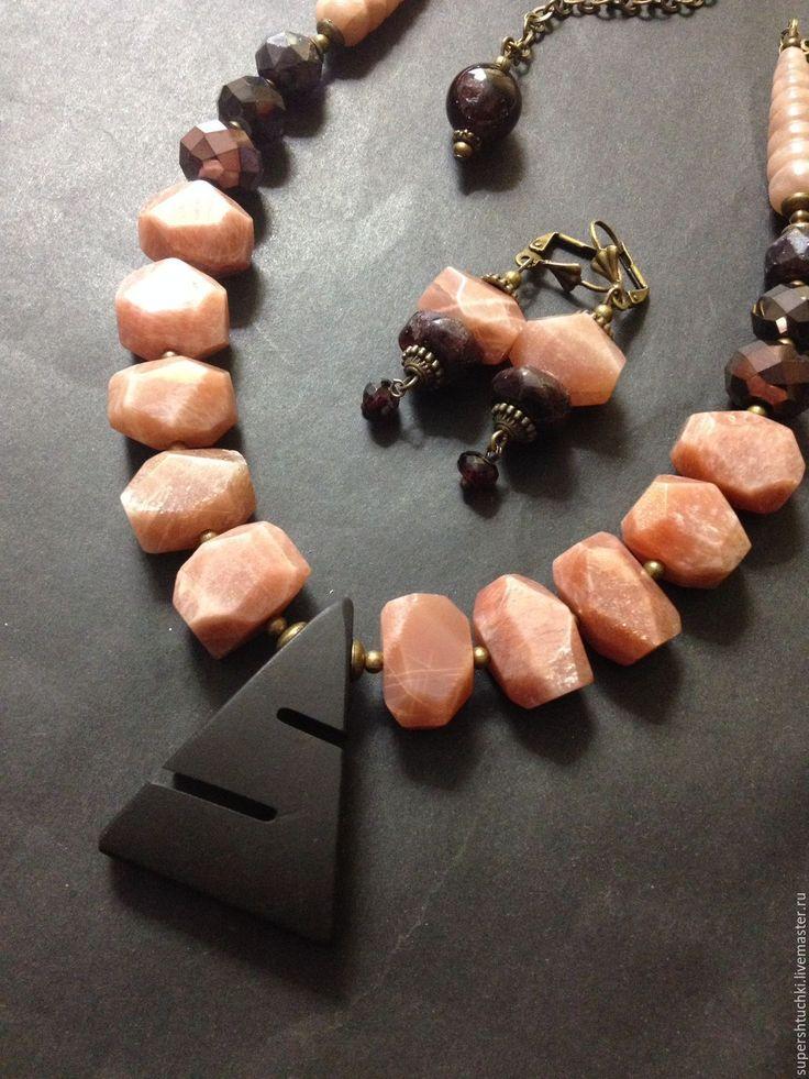 """Купить Комплект """"Дрезден"""" с солнечным камнем - комбинированный, розовый и черный, черный и розовый"""