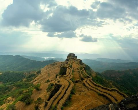 Raigad Fort in Maharashtra, India: Literally the 'king of all forts', Raigad is located in the Sahyadri Mountains and is accessed by 1400-1500 steps. #Fort #India #Raigad_Fort