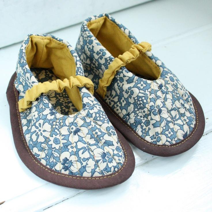 handmade baby shoes zapatitos de tela