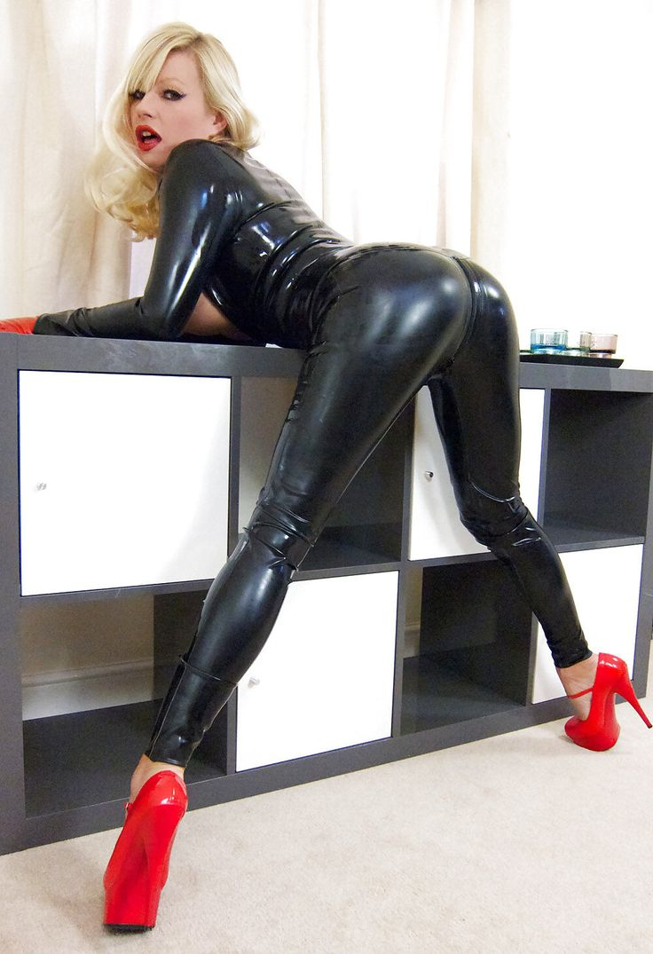 Julie in leather legging and sexy boots teasing ass 10