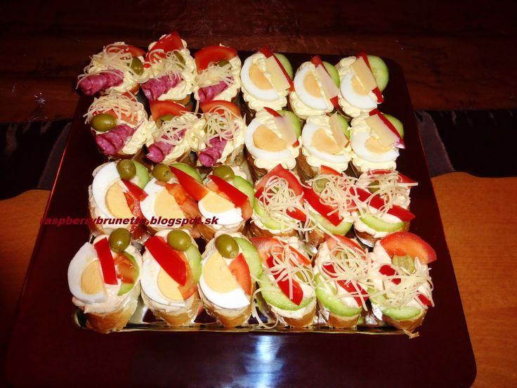 Raspberrybrunette: Jednohubky na Silvestra - nátierky a peny  Na tiet...