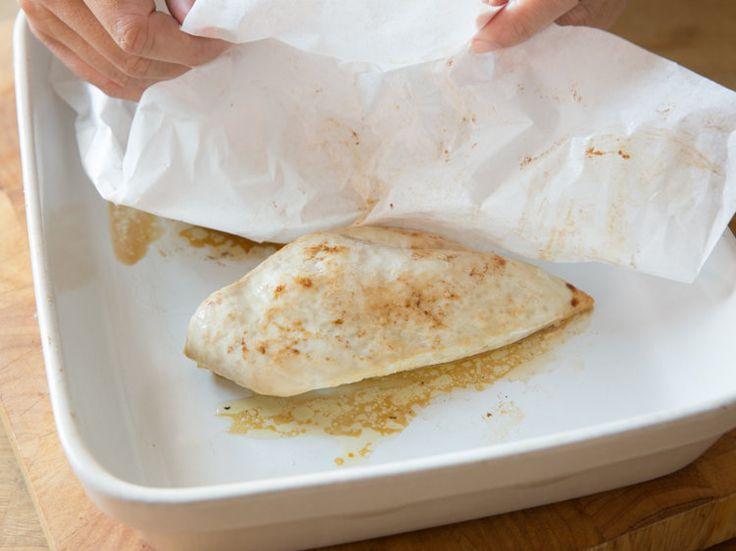 Hähnchenbrustfilet wird schnell zu trocken - doch mit dieser Methode servierst du nur noch zartes, saftiges Fleisch!