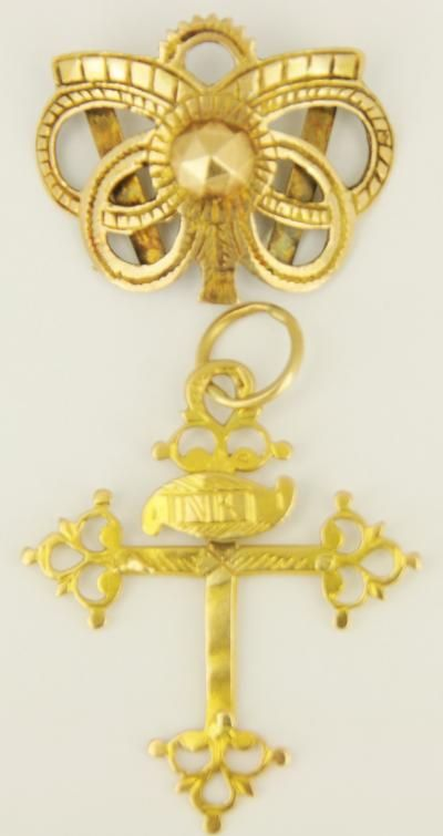 Bijoux Regionaux Rhône Alpes & Savoy dauphinoise cross with a   slide from Val d'Arly, gold (Christ missing)