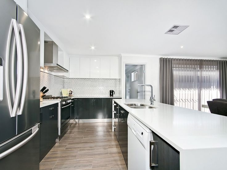 Professionals Christies Beach real estate agency - 08 8382 3773. #Modern #Kitchen