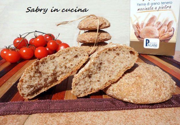 Panini croccanti con farina macinata a pietra - Ricetta semplice