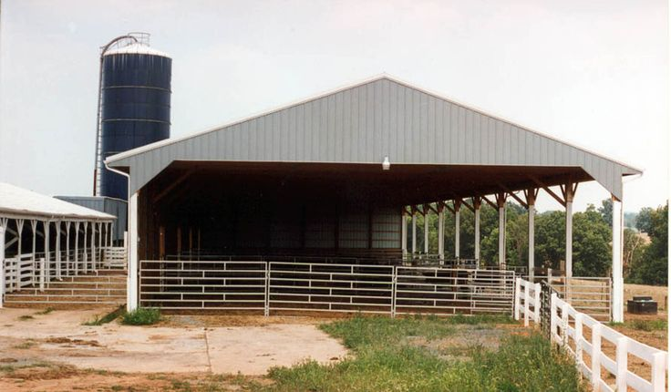 Best 25 Cattle Barn Ideas On Pinterest Horse Stalls