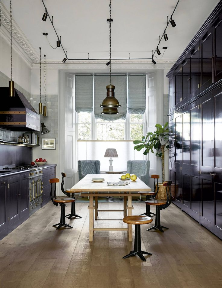 19th Century Drawing Room: A 19th Century London House That Oozes Relaxed