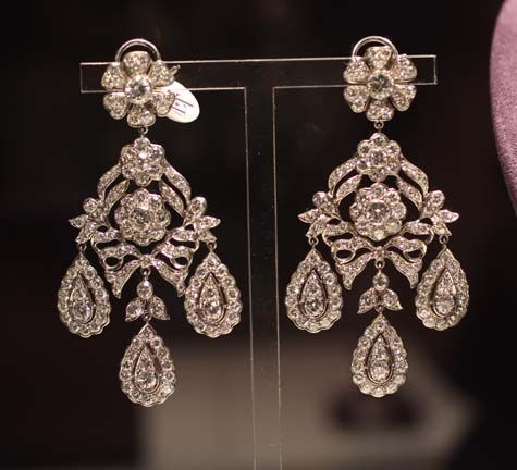 The Mike Todd Antique Diamond Ear Pendants. These were sold at auction in December 2011 for $374,500. Elizabeth Taylor