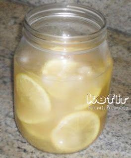 Kefir de água aromatizada