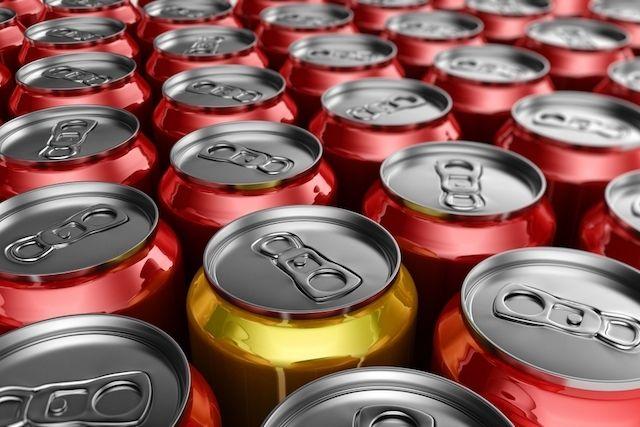 Tomar refrigerante faz mal à saúde, não só porque contém muito açúcar, mas porque também contém componentes que enfraque - Central das Notícias – Notícias, vídeos, esportes e diversão