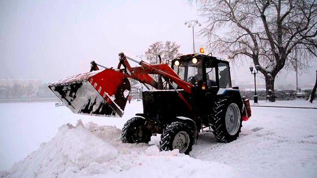 Далеко не всегда можно быстро убрать весь снег своими силами