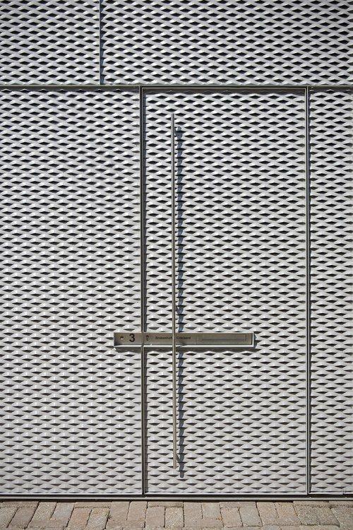 Skim Milk: V23K16 by Pasel Künzel Architects