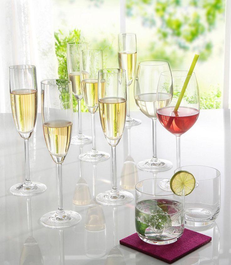 Im 18-teiligem Set. Bestehend aus 6 Weingläsern, 6 Sektgläsern und 6 Wassergläsern. Aus hochwertigem Glas.   Artikeldetails:  18-teiliges Gläser Set, Set bestehend aus 6 Weingläsern, 6 Sektgläsern und 6 Wassergläsern,  Material/Qualität:  Aus hochwertigem Glas,  ...