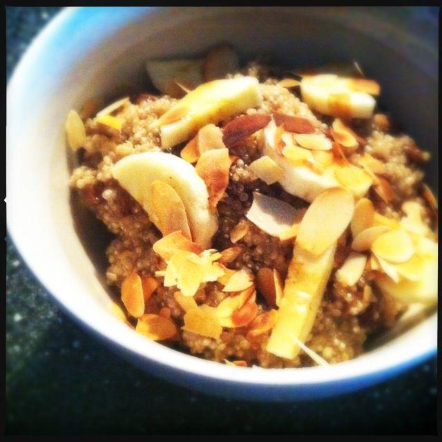 Quinoa ontbijt met rozijnen, kaneel en banaan - Francesca Kookt