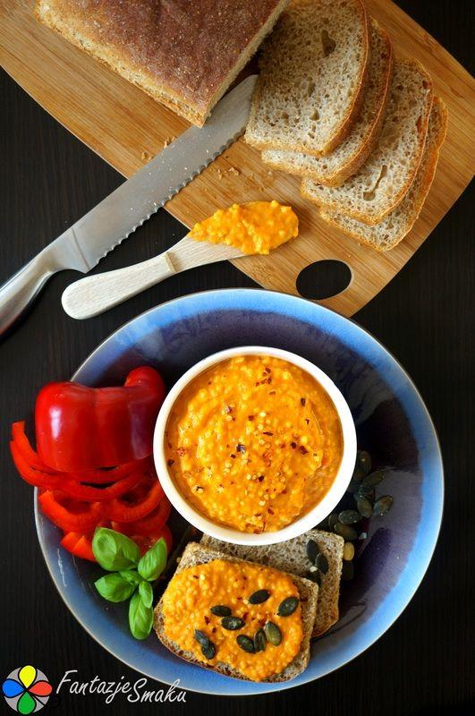 Pasta z pieczonej dyni piżmowej, czerwonej papryki z kaszą jaglaną http://fantazjesmaku.weebly.com/blog-kulinarny/pasta-z-pieczonej-dyni-pizmowej-czerwonej-papryki-z-kasza-jaglana