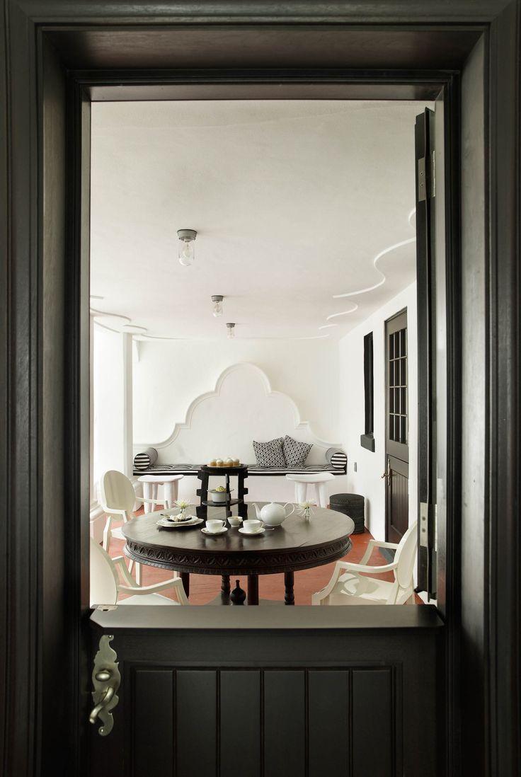 CAPE DUTCH HOUSE   CÚRE & PENABAD Architecture and Urban Design (Photo: Daniel Portnoy)   Archinect