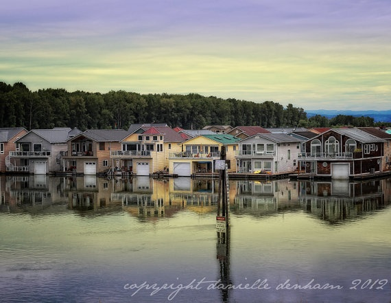 1000 images about house boat float home water home on for Floating homes portland