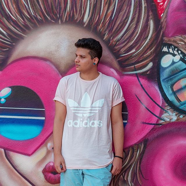 look masculino adidas rosa pastel