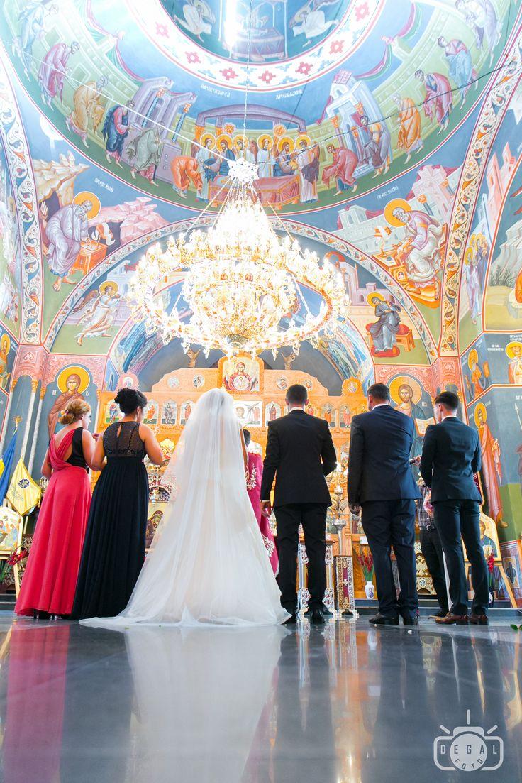 Nunta e pentru o zi. Albumul foto e pentru o viață. Alege înțelept fotograful pentru nunta ta!