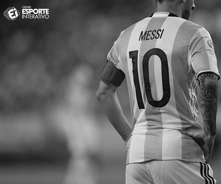 Leo Messi na carreira: 668 jogos 534 gols 223 assistências  30 títulos 41 hattricks 5 Ballon d'Or 3 chuteiras de ouro  ⚽