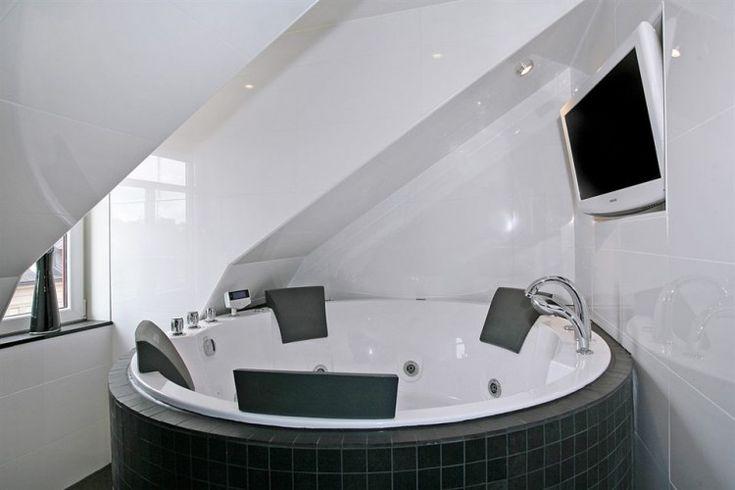 Scandinavian Design: Penthouse on Kungsholmen Island in Stockholm | HomeDSGN