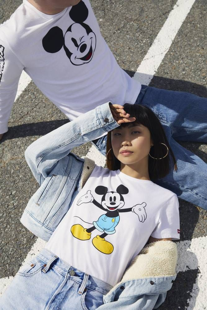 Camisetas Levi s x Mickey Mouse 2018  levis  mickeymouse  moda ... 9f1a437c50a