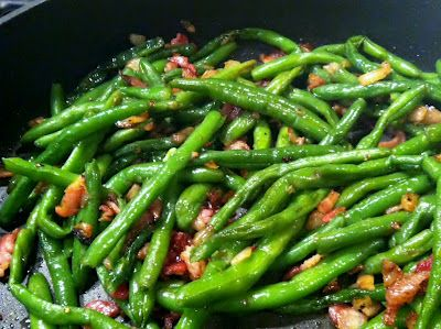 Low Carb Layla: Bacon and Onion Green Beans. So good I ate the leftovers for lunch the next day.