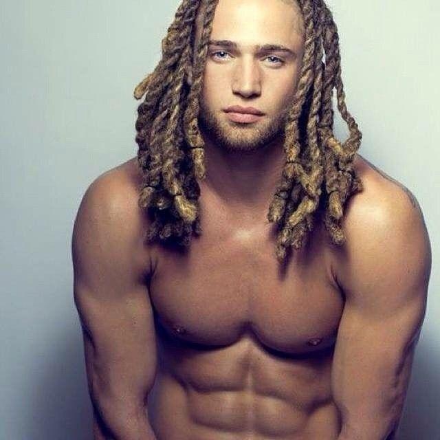 L'homme du vendredi ! #bibbox #lovemycurls #omg #curls #curly #mixed #model #beautybox #beautiful #teamnatural #teamcurly #dread #curlyhair #dreadlocks