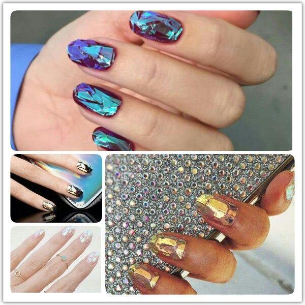 Hogy tetszik a legújabb trend, az üvegmanikűr? #nail #trend #fashion #glass