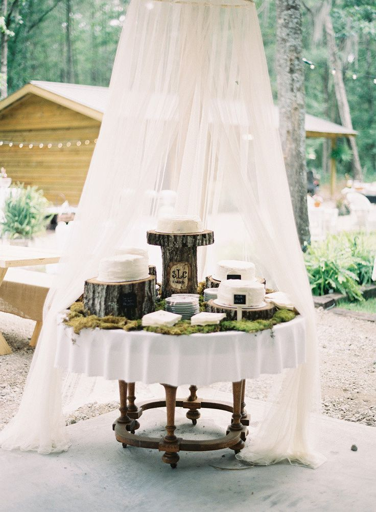 pictures of rustic wedding cake tables best 25 rustic cake tables ideas on barn 18430
