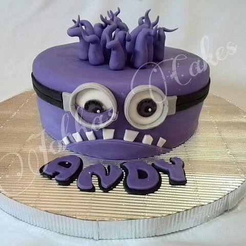 Resultado de imagen para mascara minion violeta