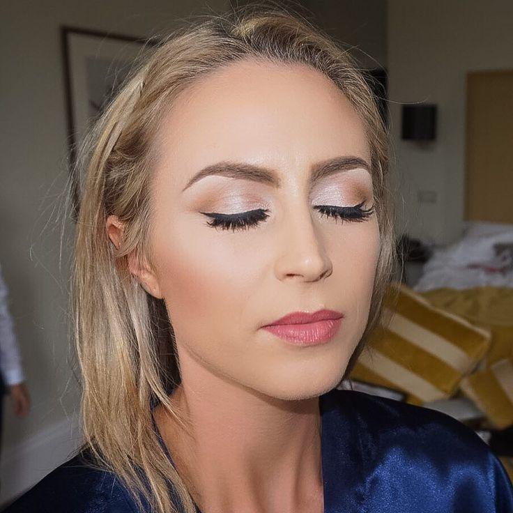 Enjoyed making up this gorgeous lady so much. @holliiiiiman  I hope your day was as beautiful as you are  @bedfordlodgehotelspa #highlight #contouring #brows #lashes #bride #bridal #bridalmakeup #bridalinspiration #wedding #weddingideas #weddingmakeup #makeup #mac #makeover #makeupbyme #mua #makeupaddict #makeuplover #makeupjunkie #makeupoftheday #makeupblogger #makeupartistsworldwide #wakeupandmakeup