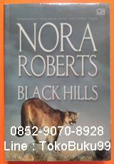 0852-9070-8928, Novel harlequin terbaik, Novel cinta romantis, 5D72B161 A Novel by Nora Robert, BLACK HILLS.  Menghabiskan musin panas di rumah kakek dan neneknya di Dakota Selatan memang bukan liburan yang menyenangkan bagi Cooper Sullivan yang saat itu berusia sebelas tahun. Tetapi, ketika ia bertemu Lil Chance, gadis cantik yang tinggal tak jauh dari situ, liburannya jadi lebih mengasyikkan. Setiap tahun, dalam kunjungan liburan Musim Panas Coop, persahabatan mereka semakin dalam dan…
