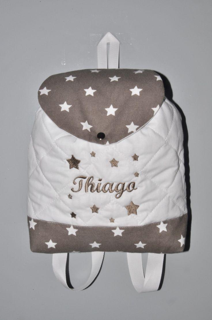 prénom Sac a dos étoile taupe enfant étoiles brodées personnalisé au prénom : Sacs à dos, cartables par lbm-creation
