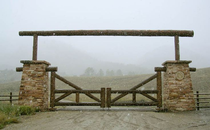 western ranch entrance gates - Google Search