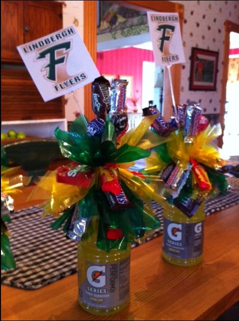 Edible (and drinkable!) centerpieces for football banquet -- can't think of anything a bunch of boys would like better! Super easy to make!