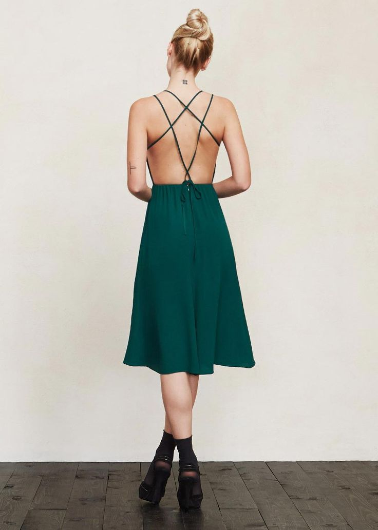 11 sexy open-back dresses we can't stop staring at