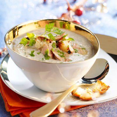 Découvrez la recette du cappuccino de champignons au foie gras