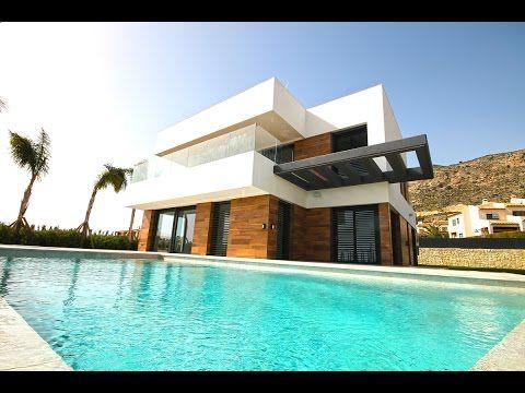 Качественная Hi-Tech вилла в Испании в Сьерра Кортине, недвижимость в Ис...