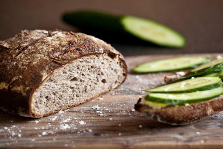 Bramborový kváskový chléb s vlašskými ořechy