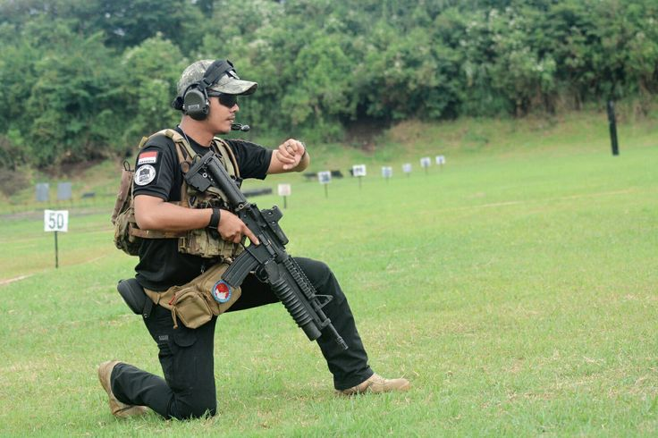 Practice shooting.. #m4rifel #tactical #glockteam #511tactical #tacticalboots #tacticalgear #tacticalshit #woodland #lapangtembakgunungbohong #m4rifel #shootingrange #shooting #shootingtarget #runandshoot #indonesiamilitary #trexarms #guns #gundaily