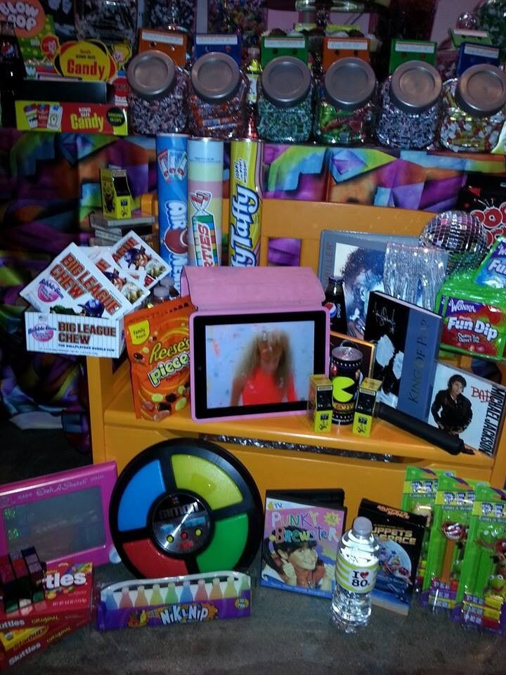 17 best images about my party on pinterest 80s party for Sideboard 80 x 80