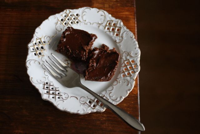 Rich raw brownies with chocolate avo frostin