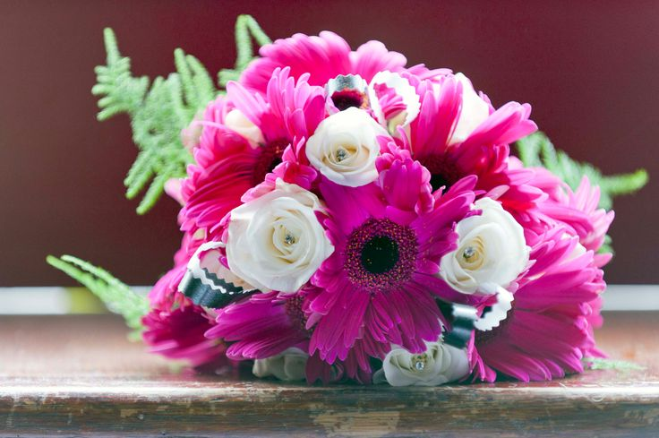 I love Gerberas, they are such happy colourful flowers to have in a Bridal Bouquet!  Wedding Flowers are always lovely!