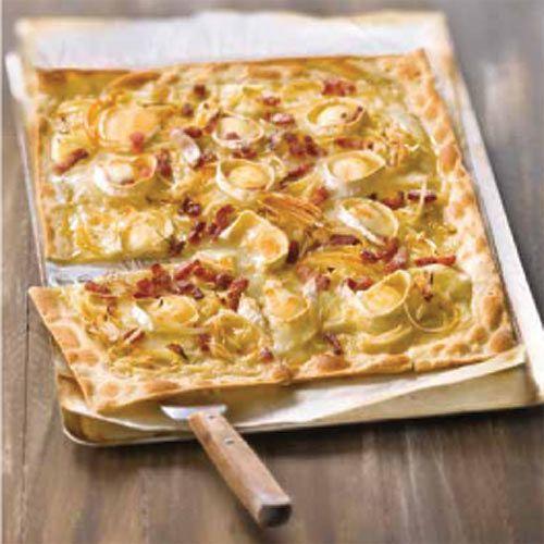 Pizza de queso de cabra, beicon y miel de romero