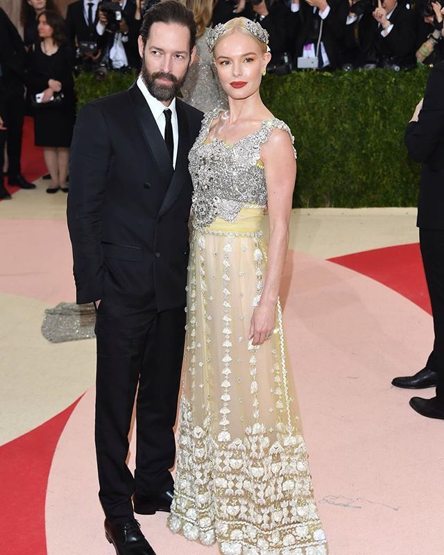Kate Bosworth  and her husband Michael Polish wearing Dolce&Gabbana to the 'Manus X Machina: Fashion in an Age of Technology' Costume Institute Gala at the Metropolitan Museum of Art on May 2, 2016 in New York, NY. #metgala #dgcelebs #thefirstmondayinmay #manusxmachina